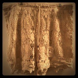 Cream/Tan Lacy Linen Drawstring Shorts